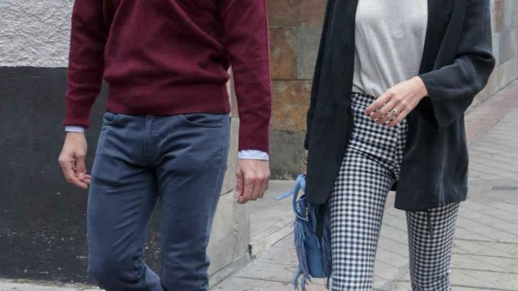 Carlos Fitz-James y Belén Corsini juntos por las calles de Madrid.