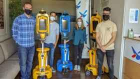 Los robots asistentes para mayores Giraff-X, a su llegada al Robolab.