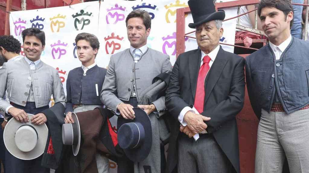 Los toreros Francisco y Cayetano Rivera Ordóñez, José Antonio Canales Rivera, José Rivera Pérez 'Riverita' en el festival taurino homenaje al propio 'Riverita' en Zahara de los Atunes.