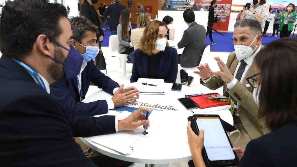 Reunión de Costa Blanca con AENA en Fitur.