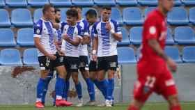 Abde y Manu Garrido celebran uno de los goles.