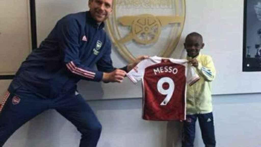 Leo Messo ficha por el Arsenal