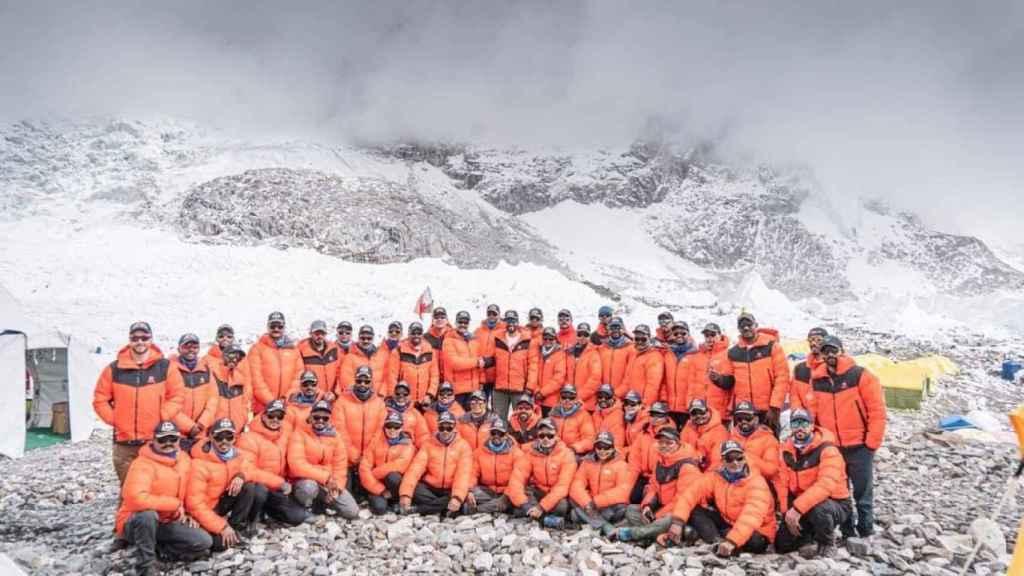 La expedición del príncipe de Bahréin camino del Everest