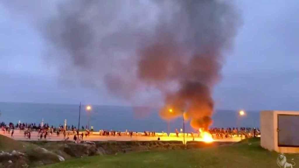 Disturbios junto a la frontera en el lado marroquí, esta pasada noche.