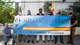 Veteranos legionarios de la Plataforma Millán-Astray reunidos en la calle que va a recuperar el nombre del fundador de la Legión.