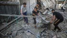 Casas palestinas destruidas tras los ataques aéreos israelíes.