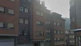 La calle Puerto de Tarna, en Pola de Laviana (Asturias), donde ha tenido lugar el suceso.