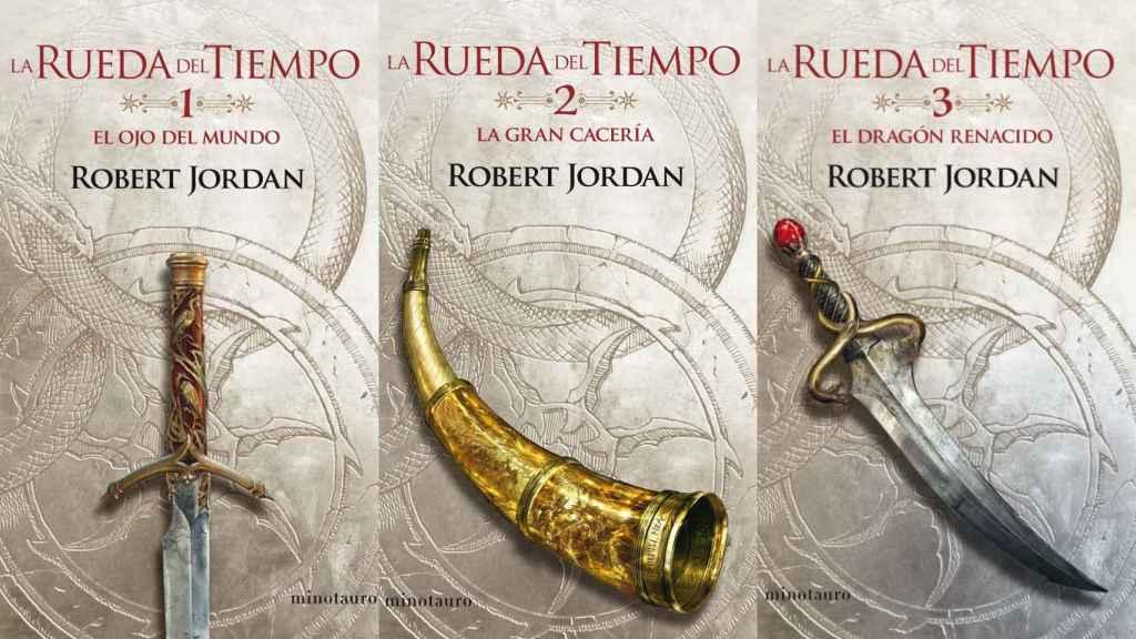 Los tres primeros volúmenes de la saga 'La rueda del tiempo'.