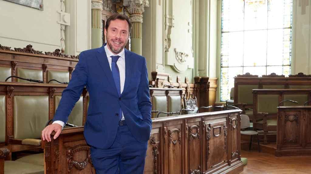 Óscar Puente, en el salón de plenos del Ayuntamiento de Valladolid.