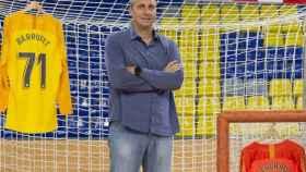 Barrufet posa con la camiseta del Barça