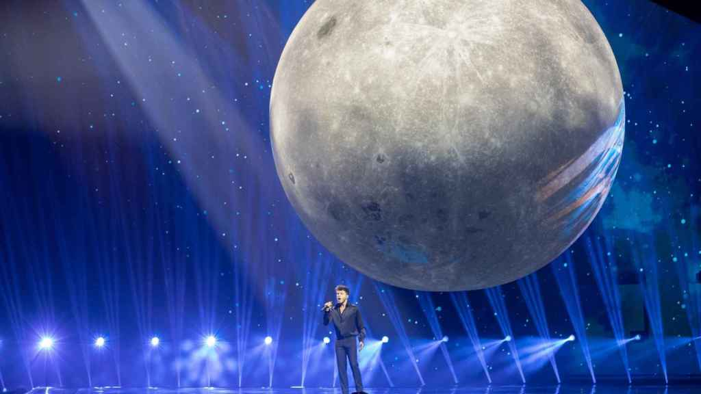 La luna ha sido uno de los aspectos más comentados de la actuación de España.