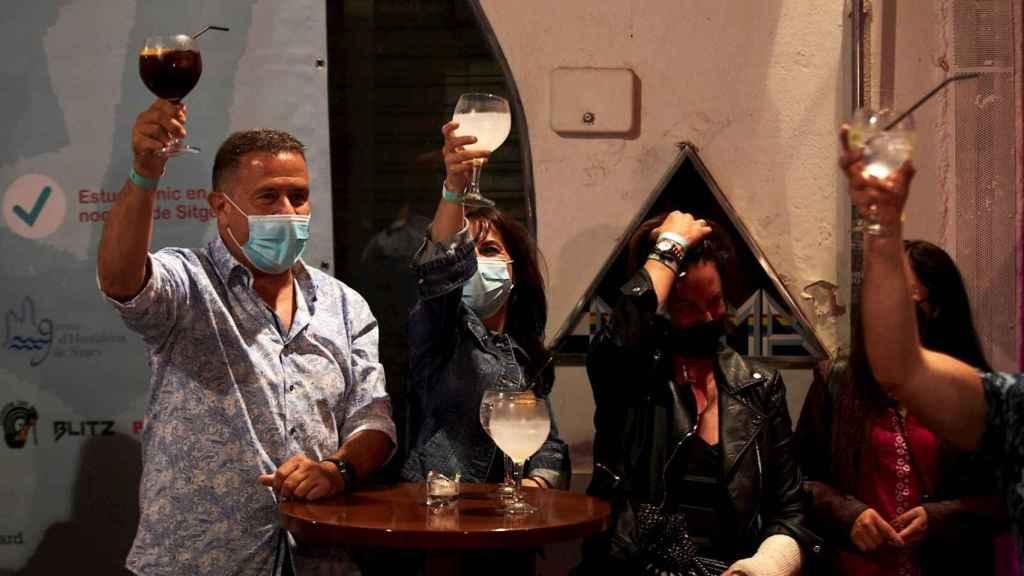 Ensayo de reapertura del ocio nocturno en Sitges. EFE/Alejandro García