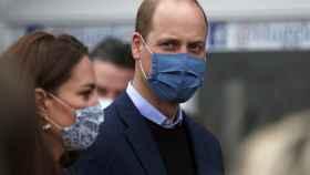 El príncipe Guillermo junto a su esposa Kate Middleton