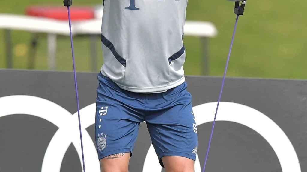 Lucas Hernández en un entrenamiento con el Bayern