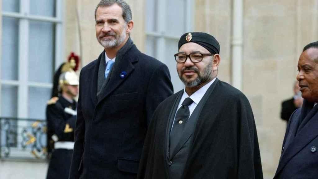 Felipe VI y  Mohamed VI, juntos en Rabat.