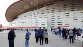 Colas en el Wanda Metropolitano para vacunarse contra la Covid-19. Efe