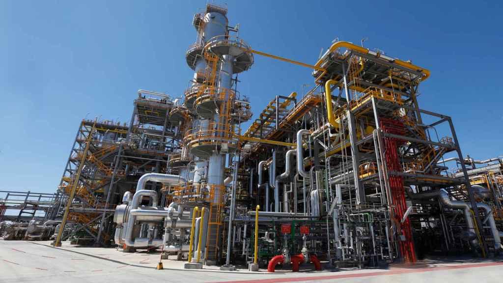 Cepsa optimiza la producción de detergentes biodegradables en su química de Cádiz