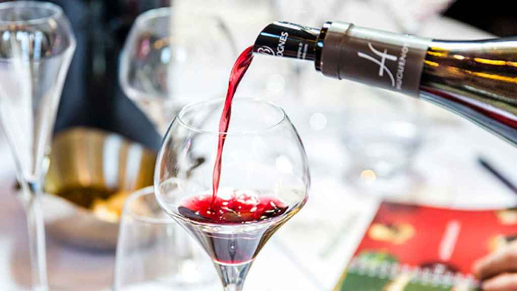 Servicio de vino de Borgoña.