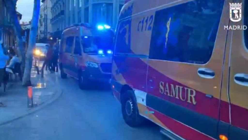 Ambulancias en la Plaza Santa Ana tras el suceso