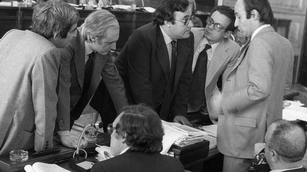 La Comisión Constitucional reunida en 1978.