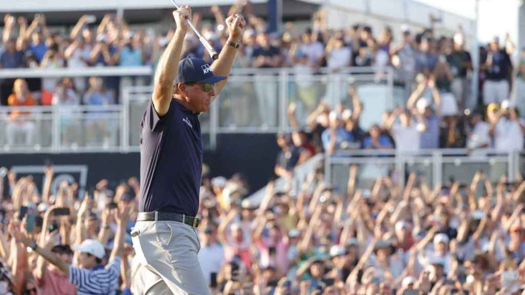 Phil Mickelson celebra en el PGA