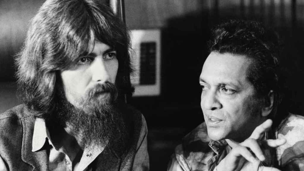 George Harrison y Ravi Shankar .