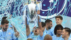 Eric García levanta el título de campeón de la Premier League