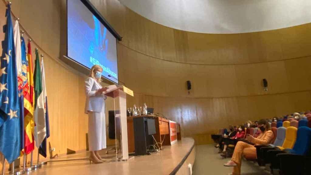 La consellera de Justicia Gabriela Bravo, en el seminario de la Universidad de Alicante.