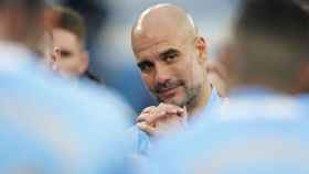 Guardiola celebra su título con el Manchester City