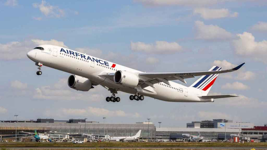 Airbus A350 de Air France despegando