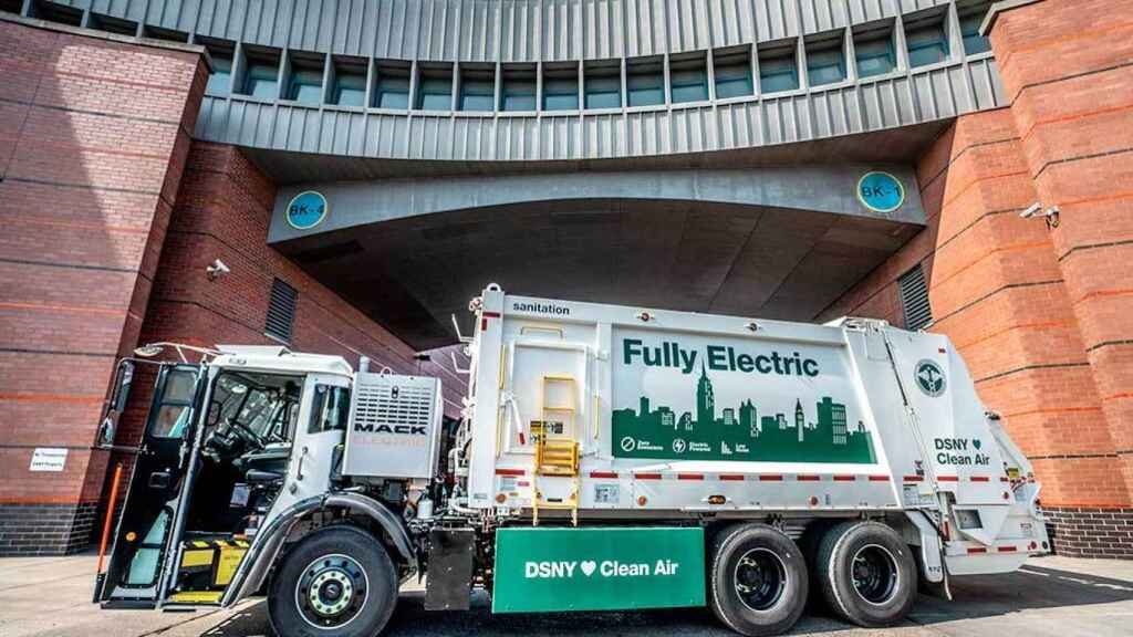 Camión de la basura eléctrico en Nueva York