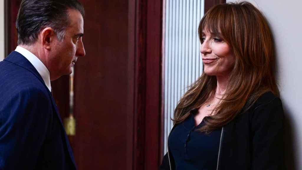 Andy García acompaña a Sagal en 'Rebel'.