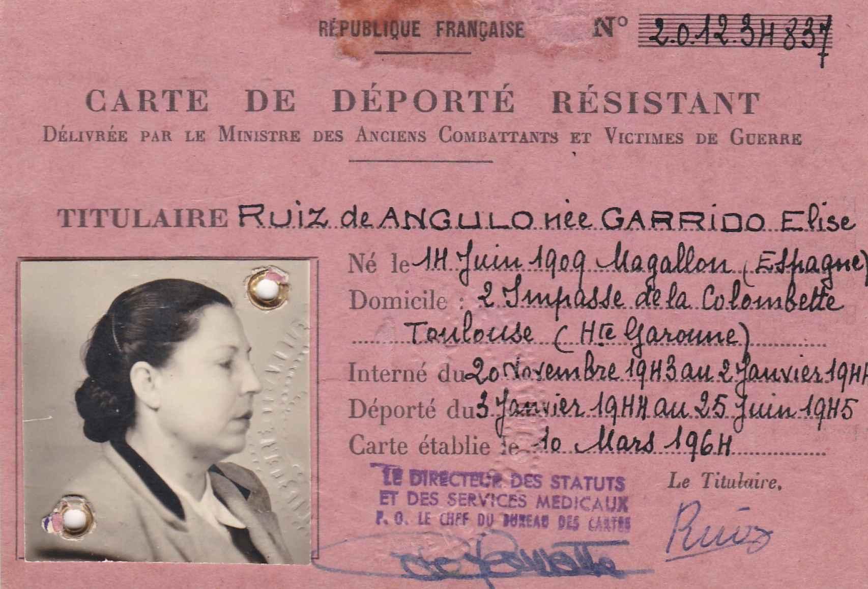 Carnet de deportada resistente de Elisa Garrido.