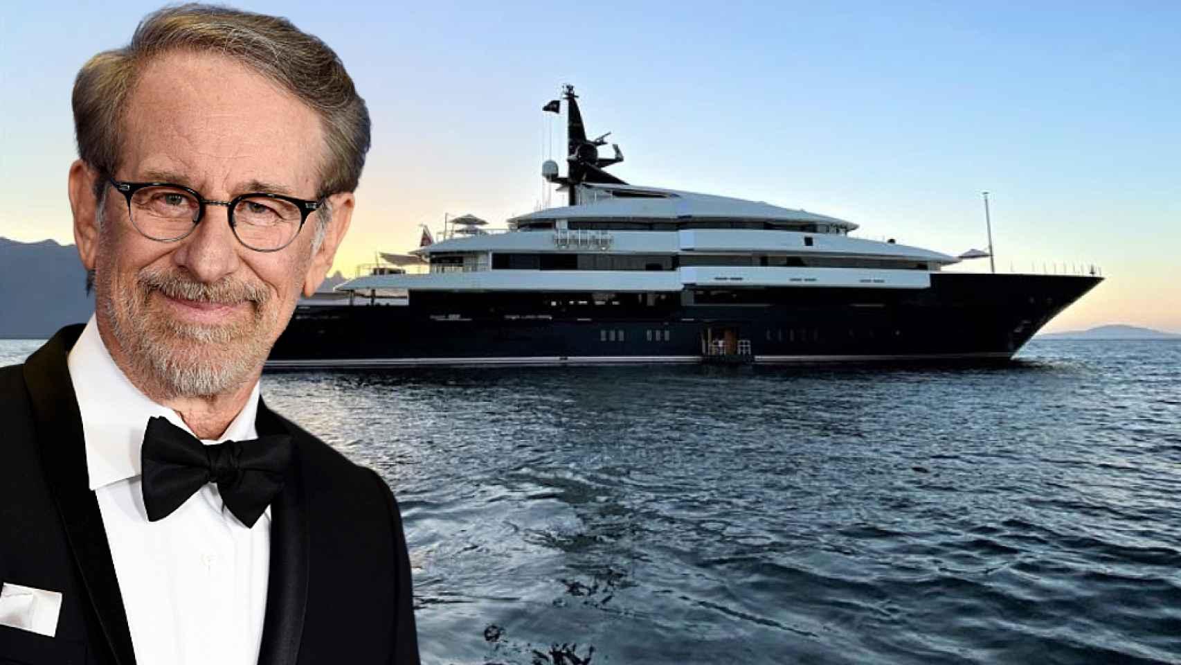 Steven Spielberg junto a su impresionante yate Seven Seas, en un fotomontaje de JALEOS.