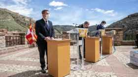 Reciente firma del Paco de Albarracín contra la despoblación entre los presidentes de Castilla-La Mancha, Emiliano García-Page; Aragón, Javier Lambán, y Castilla y León, Alfonso Fernández Mañueco