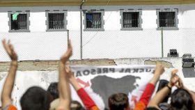 Manifestación en la cárcel de Martutene en apoyo a los presos de ETA.