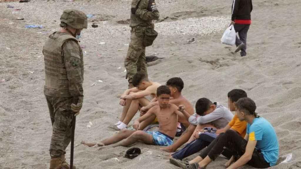 Cerca de 940 menores, 800 de los cuales llegaron recientemente a Ceuta, permanecen en un limbo.