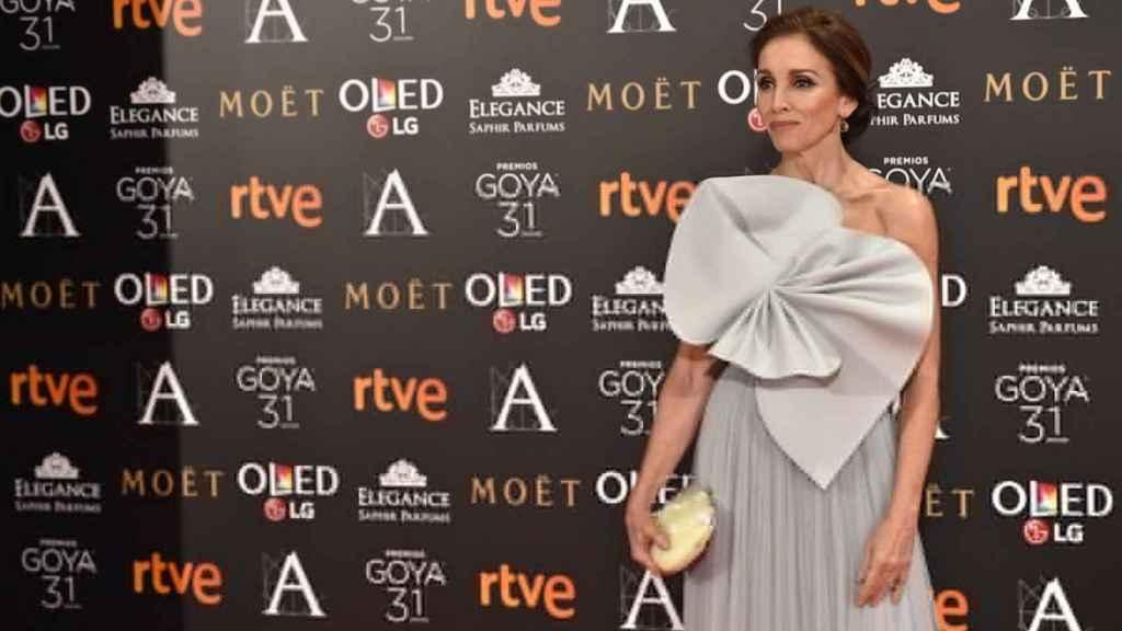 Ana Belén causó sensación con su vestido Delpozo  con el que recogió el Goya de Honor en 2017