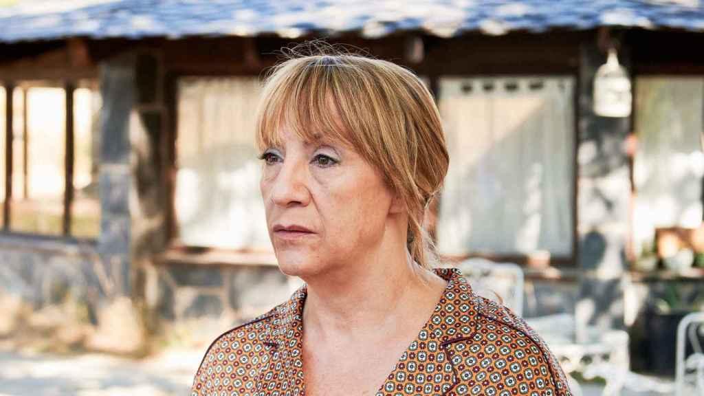 Blanca Portillo es la sobreprotectora madre de Adriana Ugarte en la ficción.