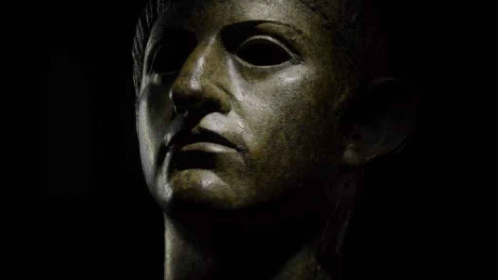 Cabeza de bronce de Nerón hallada en Reino Unido.