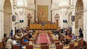 El Parlamento andaluz, escenario de disputas últimamente entre PP y Vox