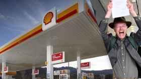 La petrolera Shell y Donald Pols, director de la ONG Milieudefensie, con el veredicto a la salida del juzgado.