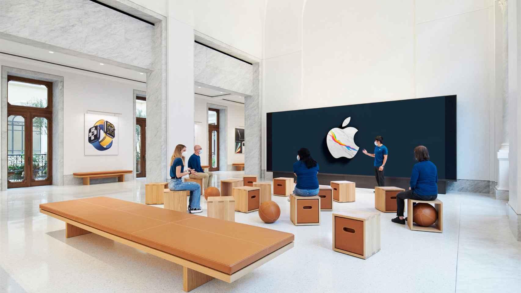 La nueva Apple Store de Roma que recupera el Palazzo Marignoli.