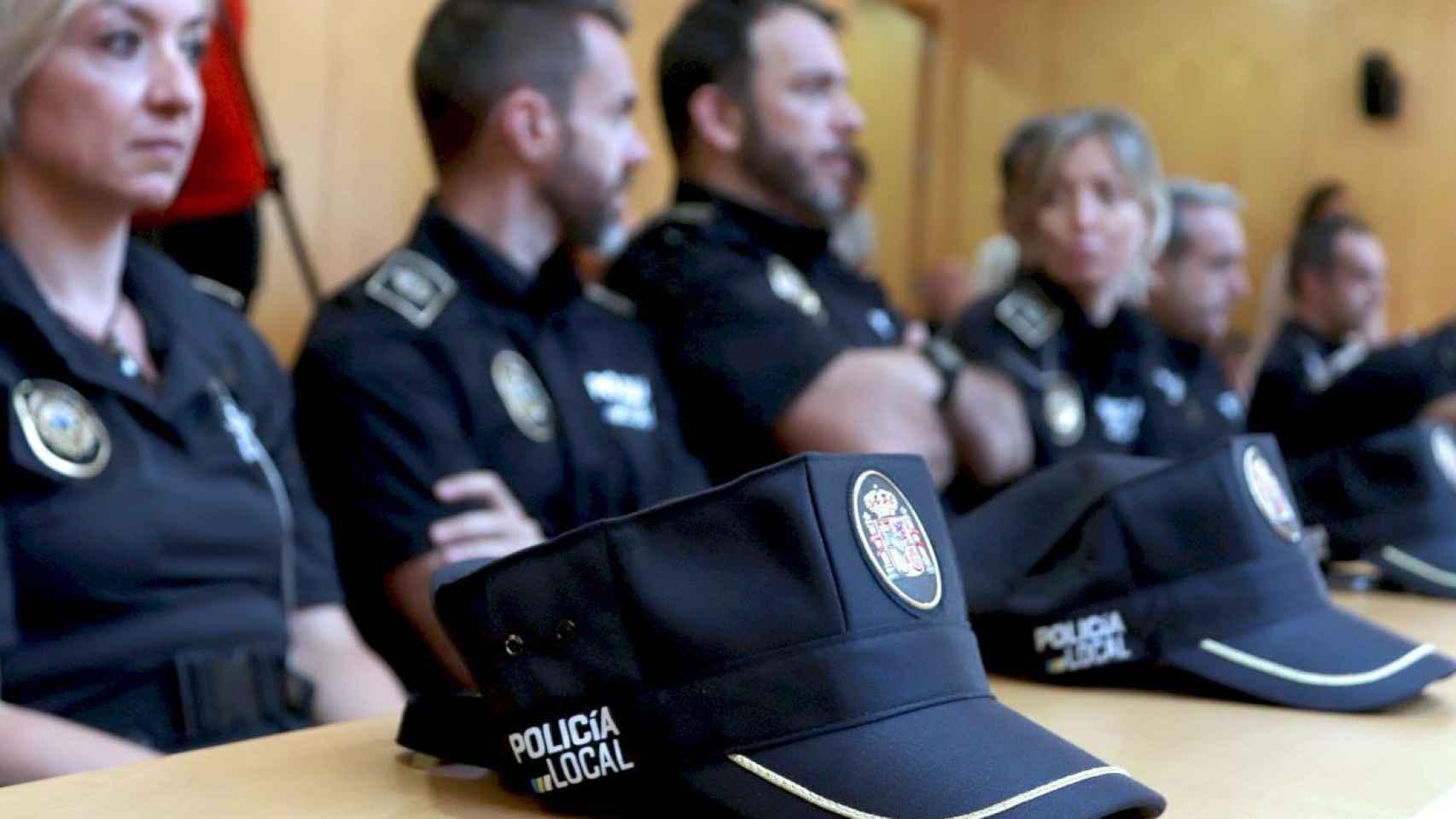 ¿Pueden los policías interinos de la Comunidad portar armas? Un juzgado de Alicante sentencia que sí