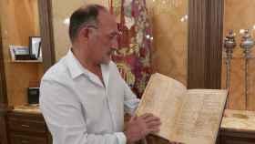 Foto del facsímil del libro.