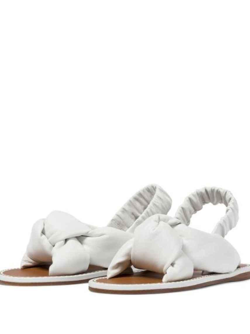 Las sandalias acolchadas de Miu Miu que están triunfando en la web.
