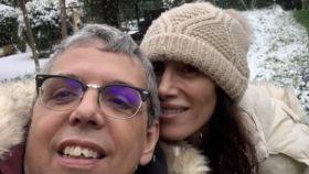 Pedro Guerra junto a su pareja, María Cabrerizo.
