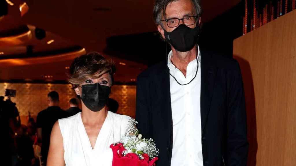 Sonsoles Ónega junto a su nueva pareja sentimental, César Vidal, en los premios 'Bombín San Isidro'.