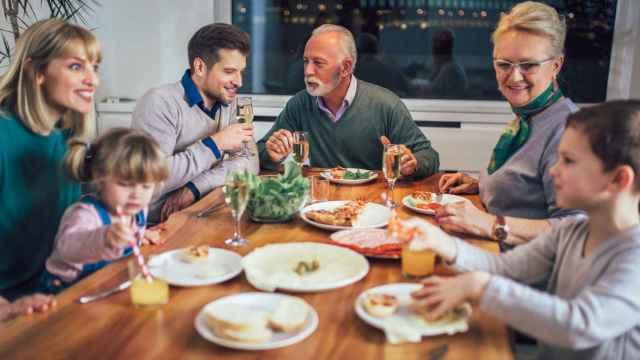 Las mesas de comedor mejor valoradas de Amazon con las que disfrutar en tu hogar