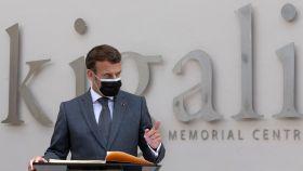 Macron durante su visita a Kigali.